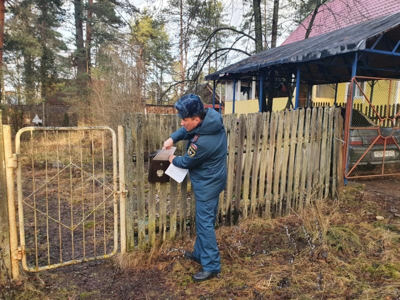 В Лужском районе продолжается патрулирование по палам сухой травы